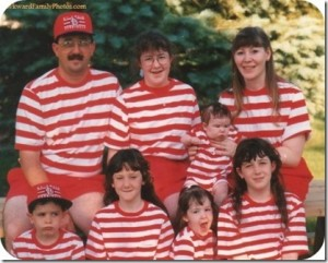 matching-family-portrait-outfits_thumb