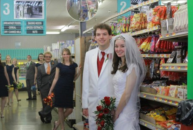 Awkward-bridesmaid-photos-Lover.ly-09