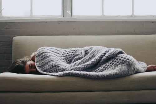 blanket-bored-cold-cosy-couch-Favim.com-366635