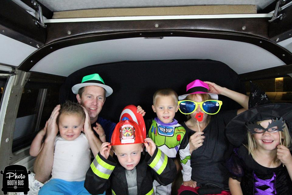 A Photo Booth Bus  (11)