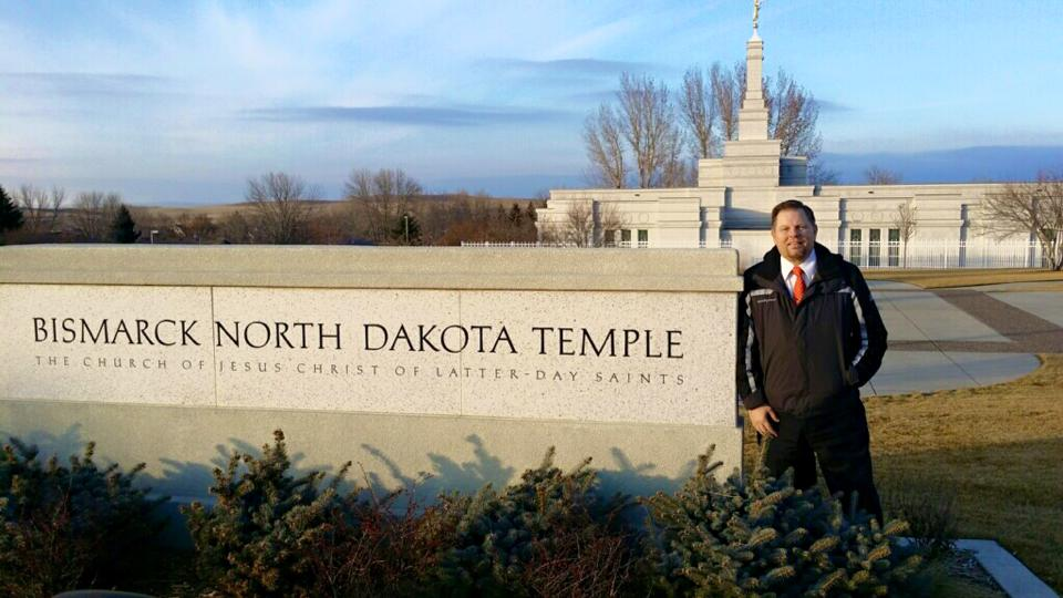 calvin newby bucket list to visit 100 temples (11)